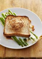 sandvich com espargos foto