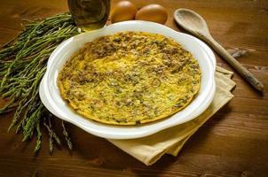 omelete com espargos foto