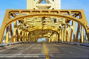 ponte da torre dourada de sacramento foto