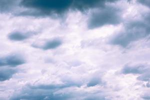 nuvens de chuva perigosas foto