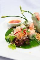 rolinho primavera vietnamita foto