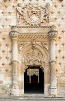 portão principal da infantaria em guadalajara, espanha foto