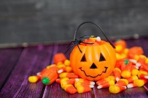 fundo de doces de halloween com espaço de cópia