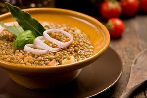 sopa de lentilhas foto