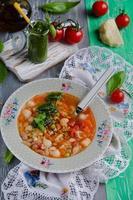 minestrone de sopa italiana tradicional foto
