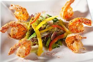 salada de frutos do mar foto