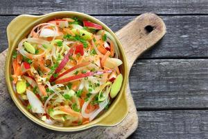 salada com alho-poró foto