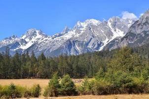paisagem de montanha alpina de neve