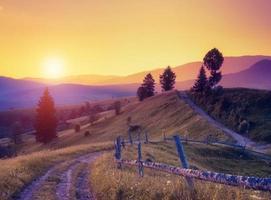 paisagem de montanha retrô