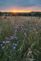 pôr do sol sobre a paisagem foto