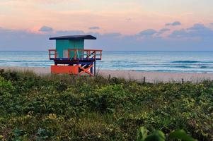 pôr do sol miami south beach foto