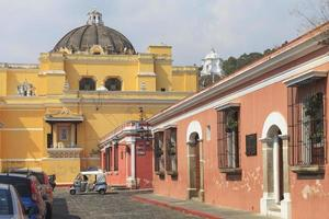 edifícios coloniais em antigua, guatemala foto