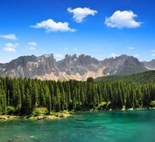 Lago Carezza, Itália foto