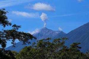 erupção do vulcão em antigua foto