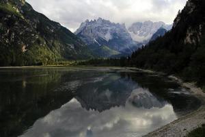 o lago da montanha