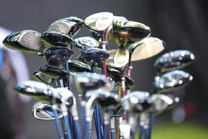 conjunto de ferros de golfe foto