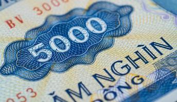 notas em cinco mil dong vietnamita close-up foto