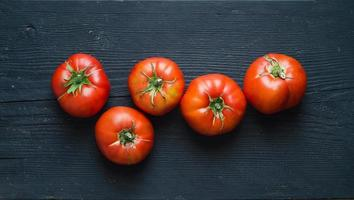 tomates orgânicos foto