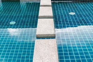 piscina de luxo foto