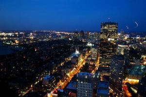 Vista aérea de Boston após o pôr do sol