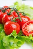 close-up de tomates frescos foto