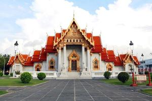 templo de mármore em bangkok foto