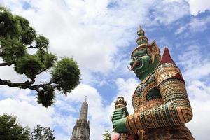 wat arun - bangkok - tailândia foto