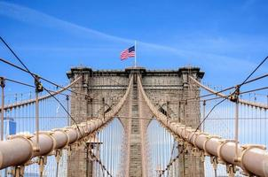 ponte de brooklyn sobre east river, cidade de nova york, ny, estados unidos da américa foto