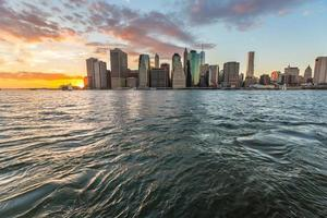 Nova Iorque, no centro da cidade ao pôr do sol foto