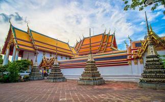 wat phra kaew em bangkok - templo da esmeralda buda foto
