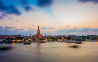 wat arun templo bangkok tailândia foto