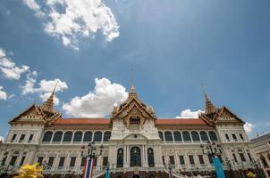 grande palácio real em bangkok. foto