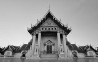 o templo de mármore em bangkok, Tailândia. foto
