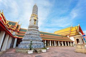 wat pho (templo de pho) em bangkok, tailândia foto