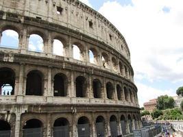 anfiteatro do Coliseu, em Roma, Itália foto