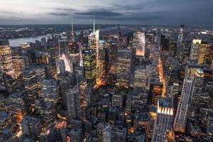 noite de paisagem urbana de nova york foto