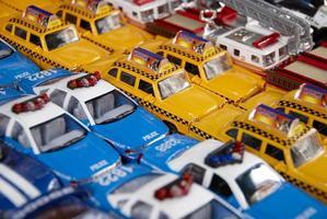 carros de brinquedo na cidade de nova york chinatown foto