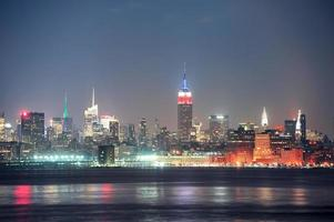 cidade de nova york manhattan à noite foto