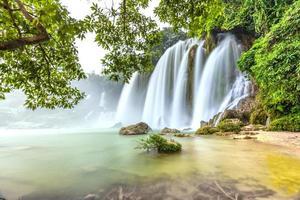 jogado com o musgo rock waterfall proibição gioc