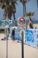 nenhum graffiti na praia de veneza foto