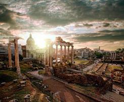 famosas ruínas romanas em Roma, capital da Itália foto