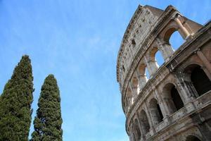 o Coliseu, em Roma, Itália