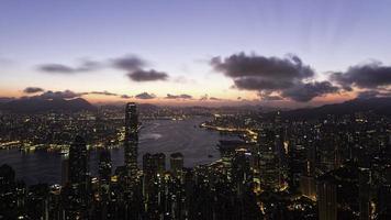 amanhecer sobre o porto de victoria foto