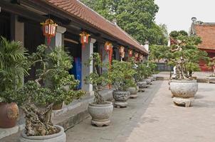 templo da literatura em hanoi foto