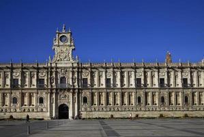 fachada de estilo plateresco de st marcos hostal (leon, espanha) foto