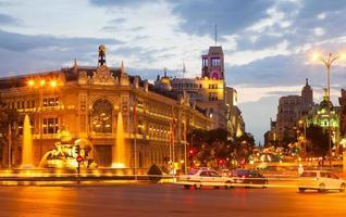 Plaza de Cibeles em noite de verão. madrid foto