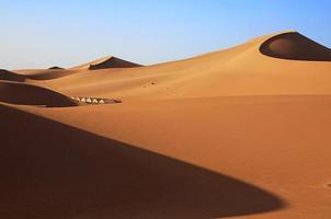 dunas de areia do deserto do saara foto