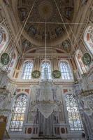 Mesquita Ortakoy em Istambul, Turquia foto