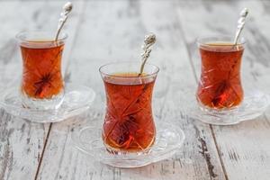 chá turco tradicional