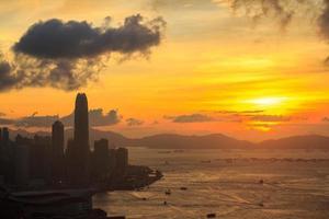 paisagem urbana por do sol foto